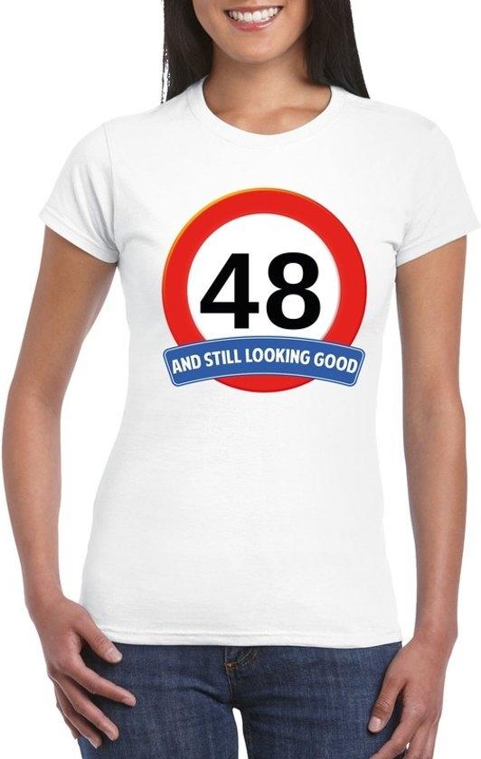 48 Jaar And Still Looking Good T Shirt Wit Dames Verjaardag